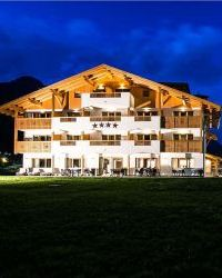 golden park hotel campitello