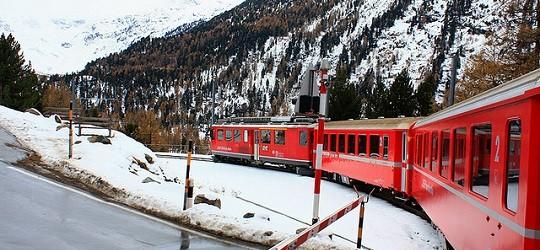 Il Trenino Rosso del Bernina, tra Italia e Svizzera