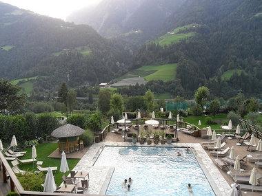 Hotel 4 stelle dolomiti con centro benessere piscina vacanze e montagna - Hotel in montagna con piscina ...